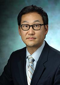 Dr Frederick Min